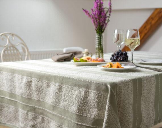 Etno Slava stolnjak pistacio